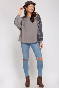 COLOR BLOCK LONG-SLEEVE KNITTED TOP