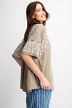 Load image into Gallery viewer, Leopard Print Short-Sleeve Loose-Fit Top