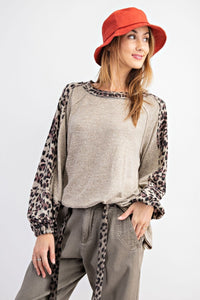 LEOPARD PRINT LONG-SLEEVE KNITTED TOP