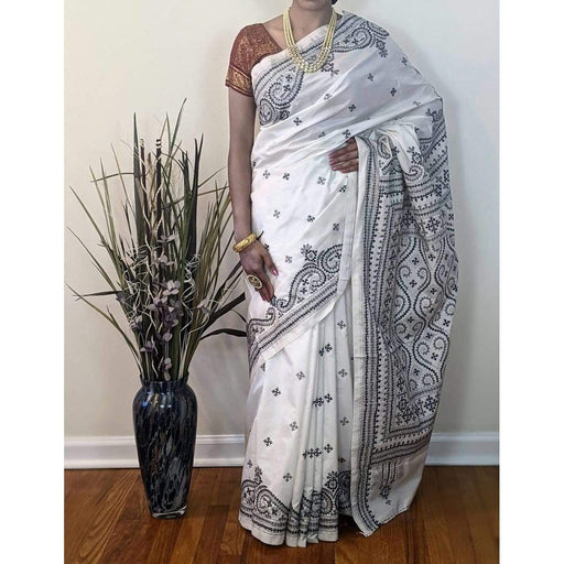 Traditional Sarees Elegant Hand Embroidery Guajarati Stich Silk Saree in White AwsomU