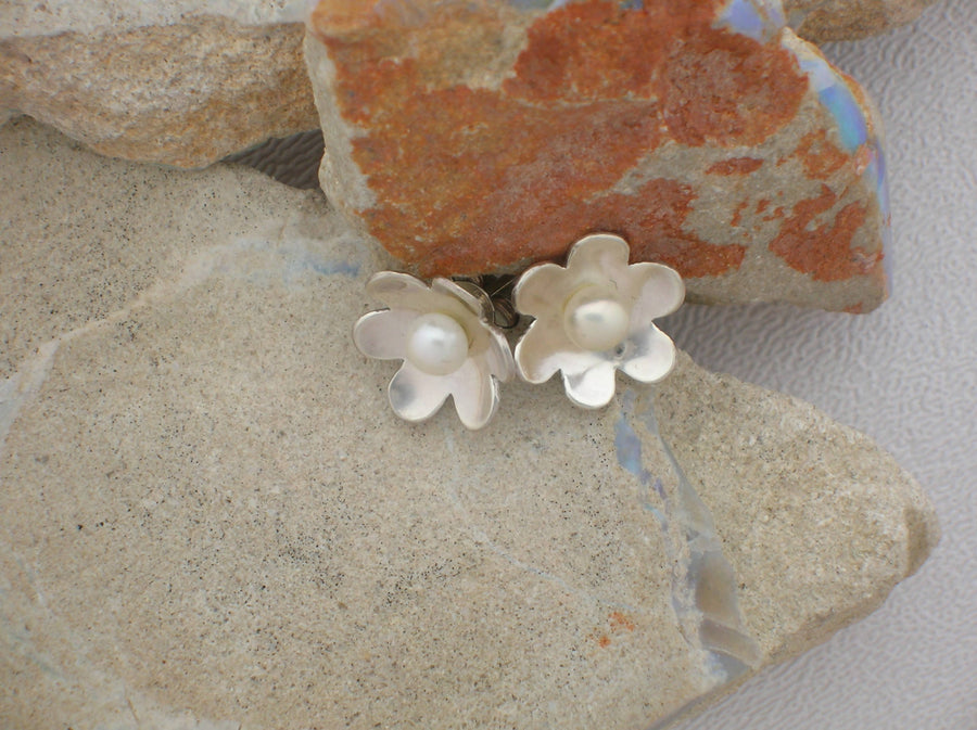 Flower Studs with Pearl