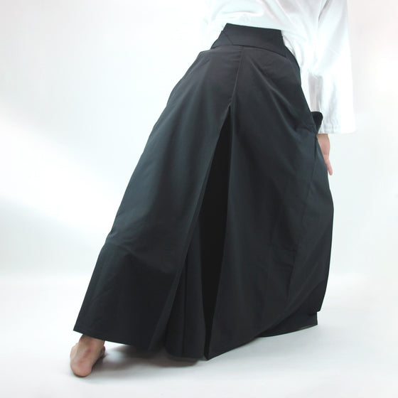 Aikido Stretch Hakama TSUBASA back view model