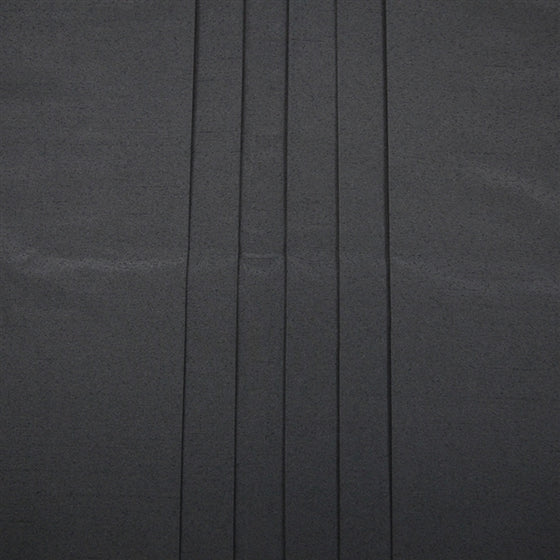 Close-up of the pleats on the front of the hakama.