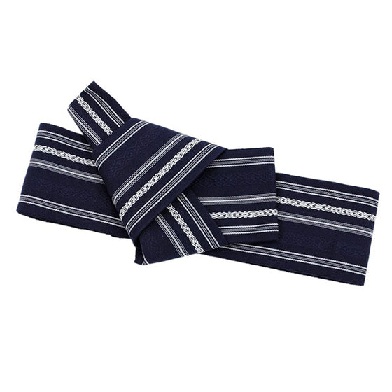 The navy obi fully tied.