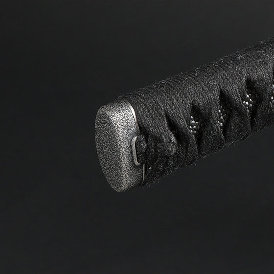 Close-up of the ishime style tsuka kashira.