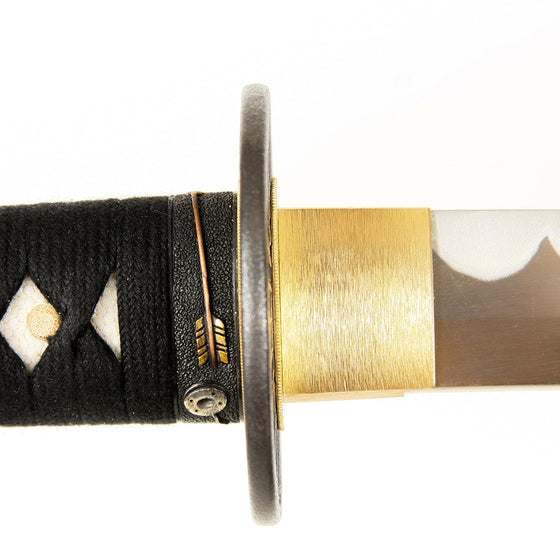 Side close-up of the habaki and fuchi.