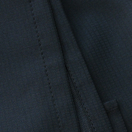 Close-up of the hem stitching.