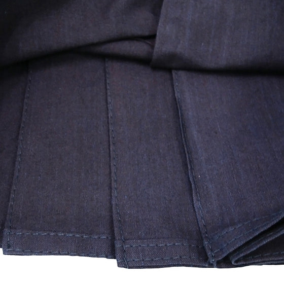 Close-up of the hem stitching on the #6000 hakama pleats.