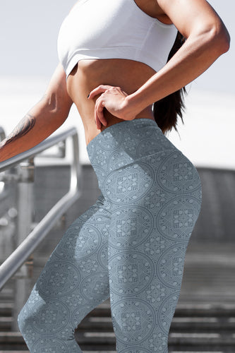 dreamin-icy-mandala-geometric-winter-yoga-capri-leggings