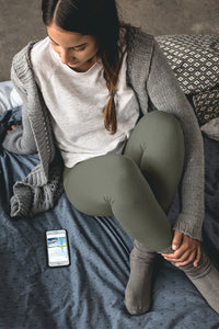neutral-elegant-olive-green-capri-leggings