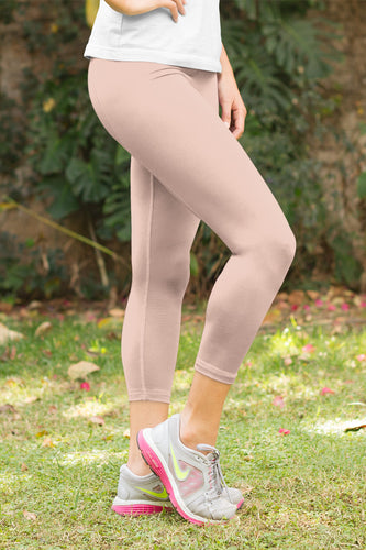 neutral-elegant-peach-pink-capri-leggings