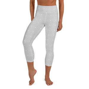 clarity-geometric-white-grey-elegant-chic-yoga-capri-leggings-women
