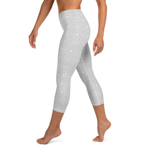 clarity-geometric-white-grey-elegant-chic-yoga-capri-leggings-shop