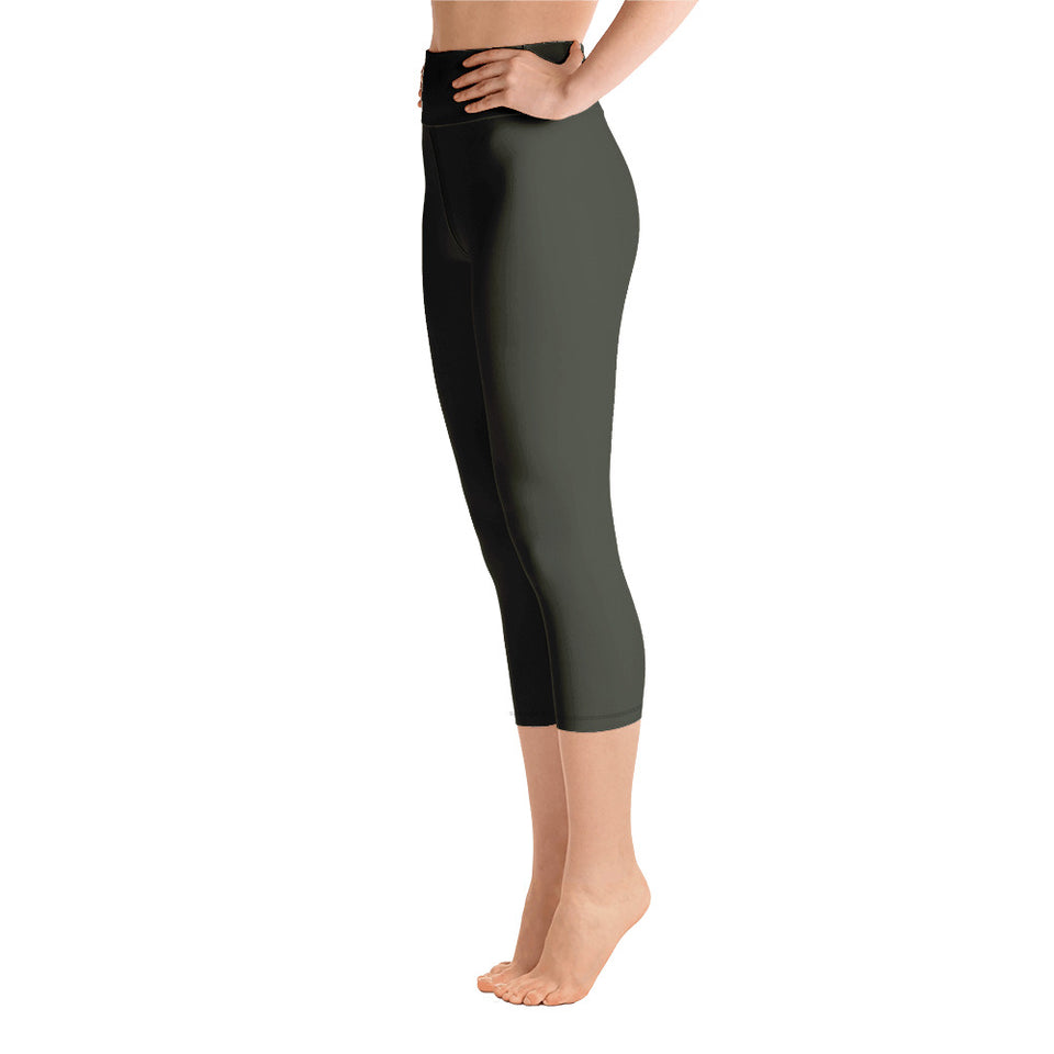 neutral-woman-chic-olive-green-capri-leggings