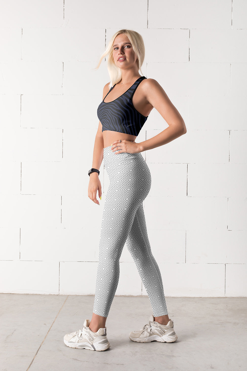 clarity-geometric-white-grey-elegant-chic-yoga-leggings-women