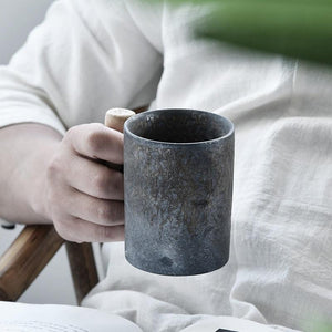 Japanese-style Vintage Ceramic Coffee Mug Tumbler Rust Glaze Tea Milk Beer Mug with Wood Handle
