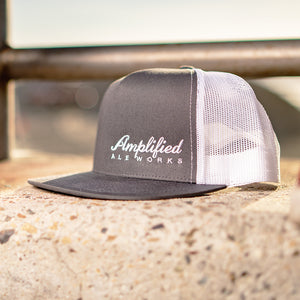 2 TONE MESH SNAPBACK HAT - GREY/WHITE