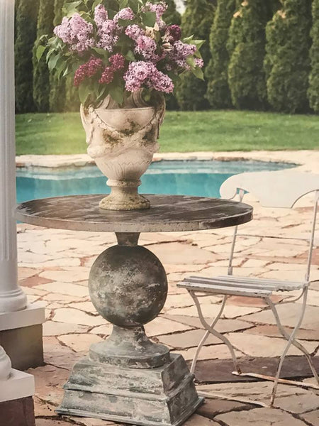 European Pedestal Table - CENTURIA