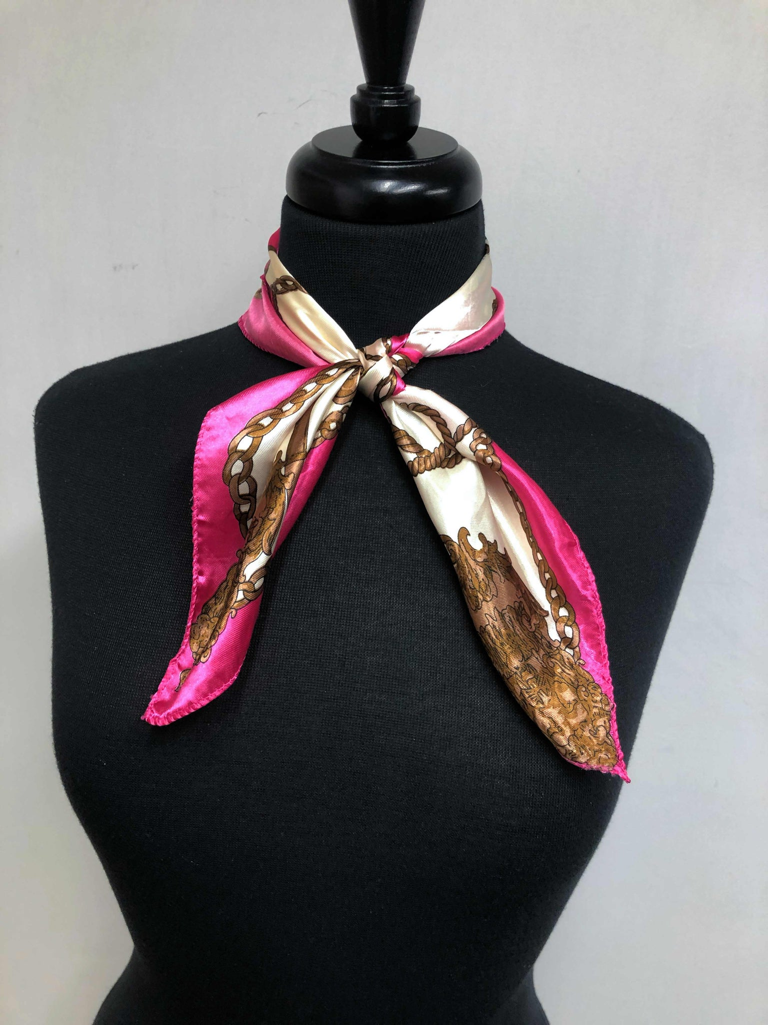 Fuchsia & Cream Chain Scarf