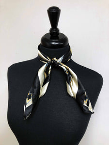 Black & Cream Chain Scarf