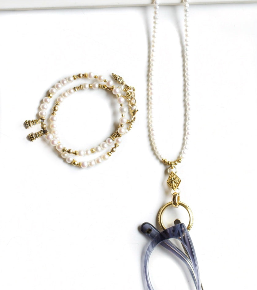 Freshwater Pearl and Gold EyeRing Necklace