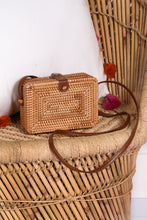 BOX STRAW SHOULDER PURSE