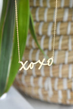 XOXO DAINTY NECKLACE