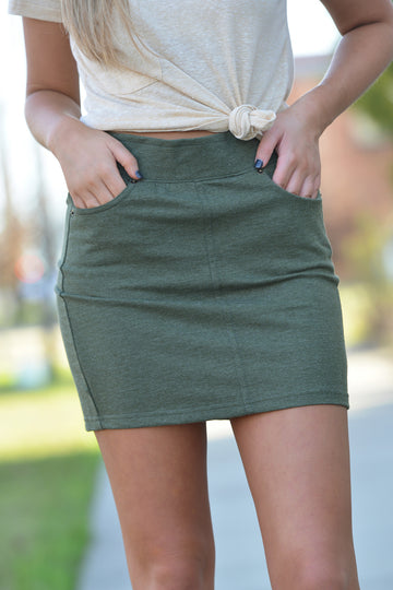 Z SUPPLY KNIT SKIRT -OLIVE