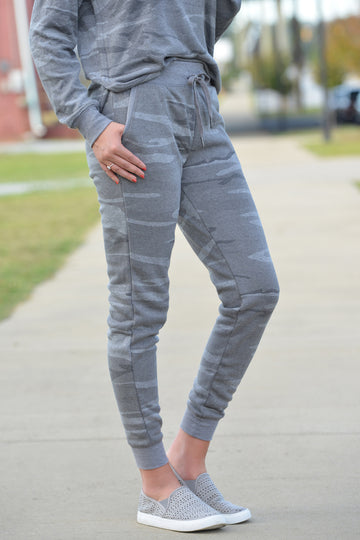 Z SUPPLY LOFT CAMO JOGGER PANT - Dear Stella Boutique