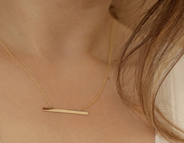 Vrai & Oro Personalized Bar Necklace