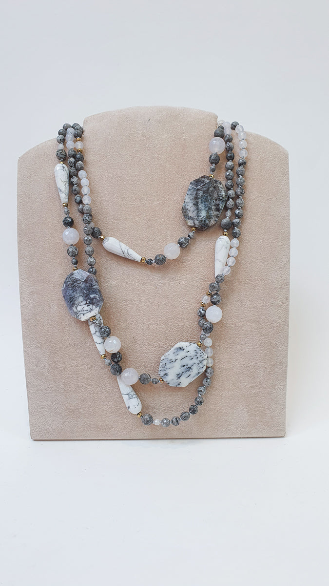 ALL AROUND MOONSTONE NECKLACE