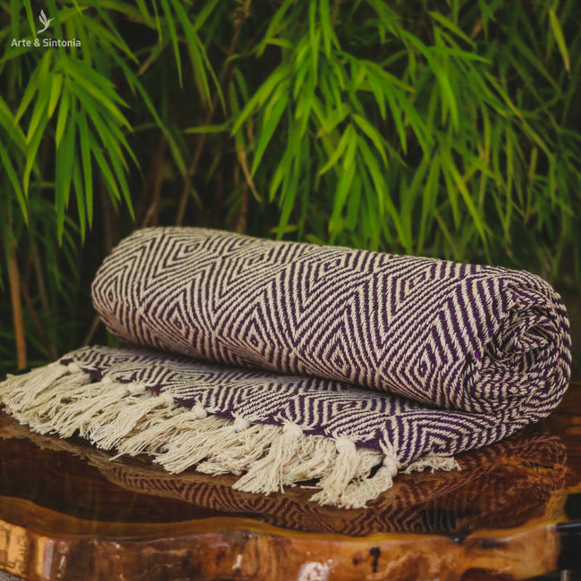 india-blanket-sofa-boho-decor-manta-indiana-decorativa-arte-textil-decoracao-sala-violeta