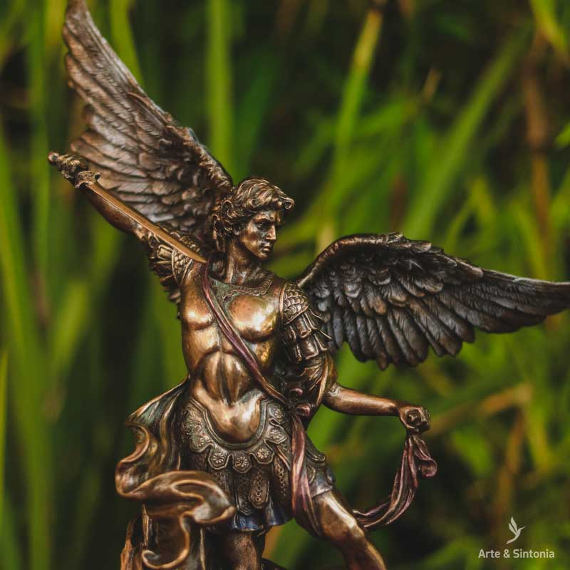 saint-michael-archangel-bronze-sculpture-escultura-decorativa-miguel-arcanjo-veronese-design