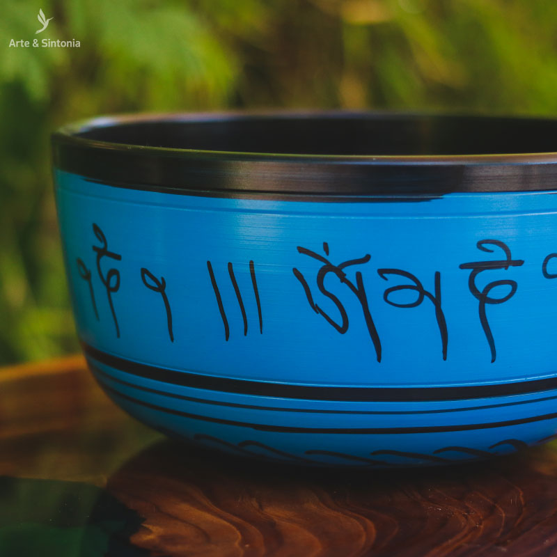 indian-tibetan-singing-bowl-light-blue-meditation-instrument-sino-budista-tigela-tibetana-azul-claro