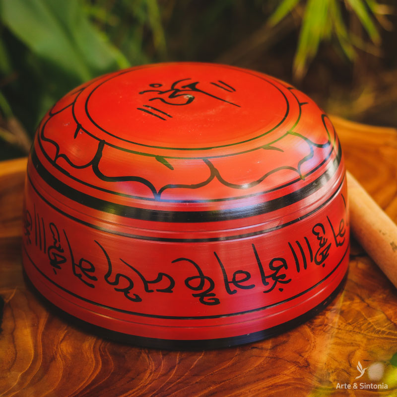 tibetan-singing-bowl-meditation-red-buddhist-sino-orin-tibetano-vermelho