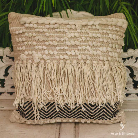 almofada-indiana-macrame-decorativa-home-decor-decoracao-boho-indiana-artesintonia-1