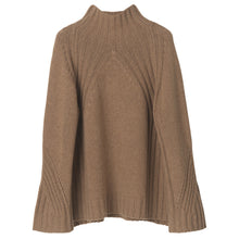 Lade das Bild in den Galerie-Viewer, By Malene Birger Pullover in Camel - LEEA