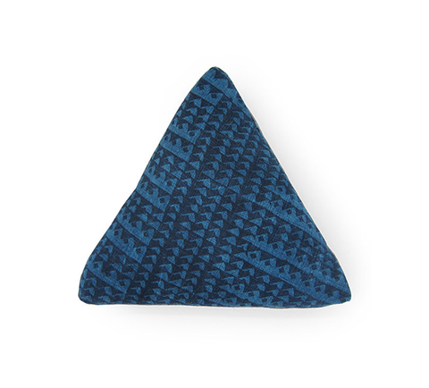 "16"" box triangle pillow - indigo"