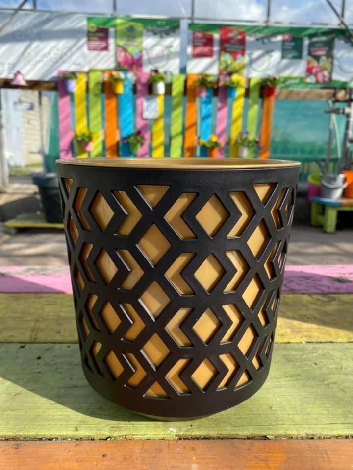 Aztec Pot - Black & Gold