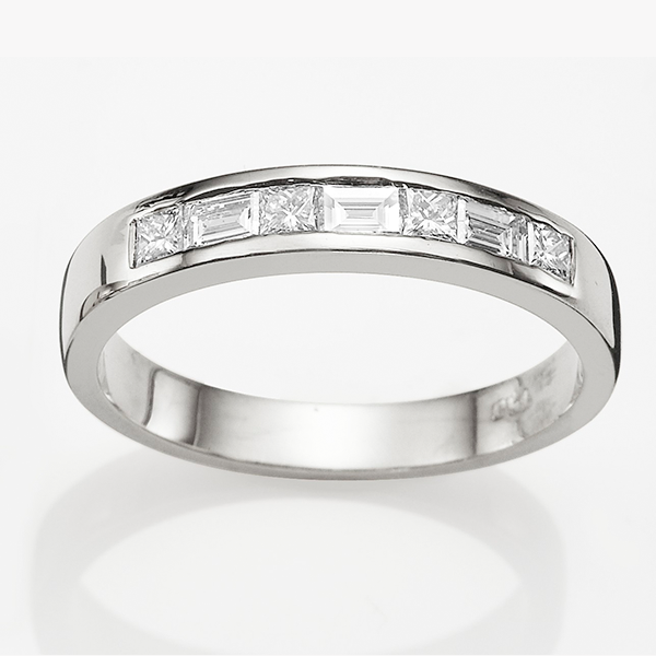 18ct White Gold 0.42ct Diamond Wedding Band