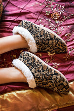 Load image into Gallery viewer, Cheetah Slippers