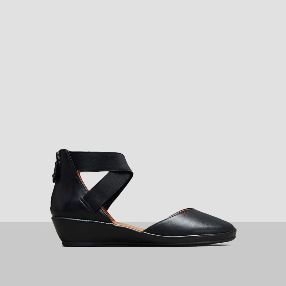 Noa Ankle Strap Wedge - Black