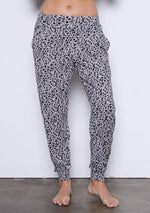 Load image into Gallery viewer, Iris Pant Winter Leopard