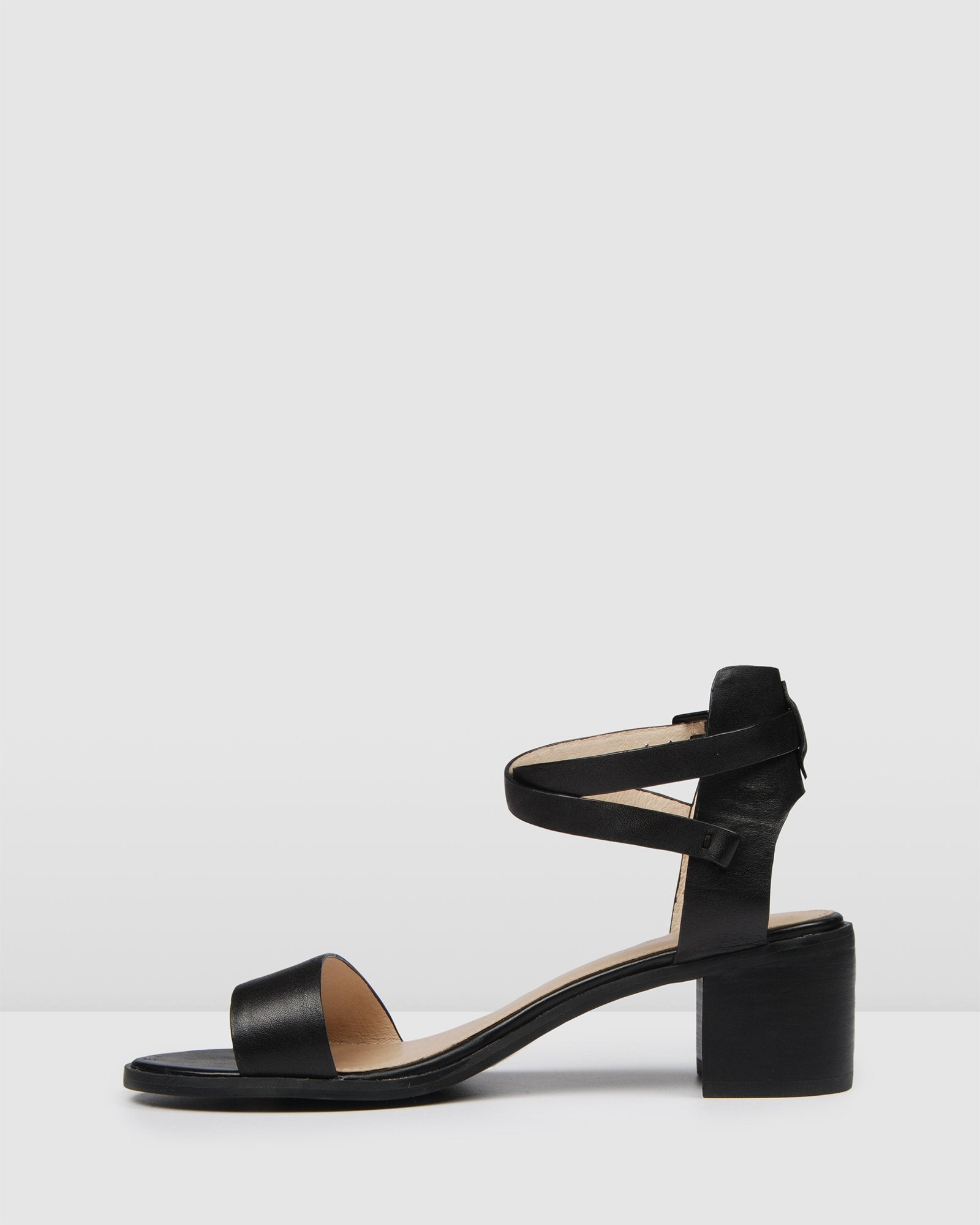 ELANE LOW HEEL SANDALS BLACK LEATHER
