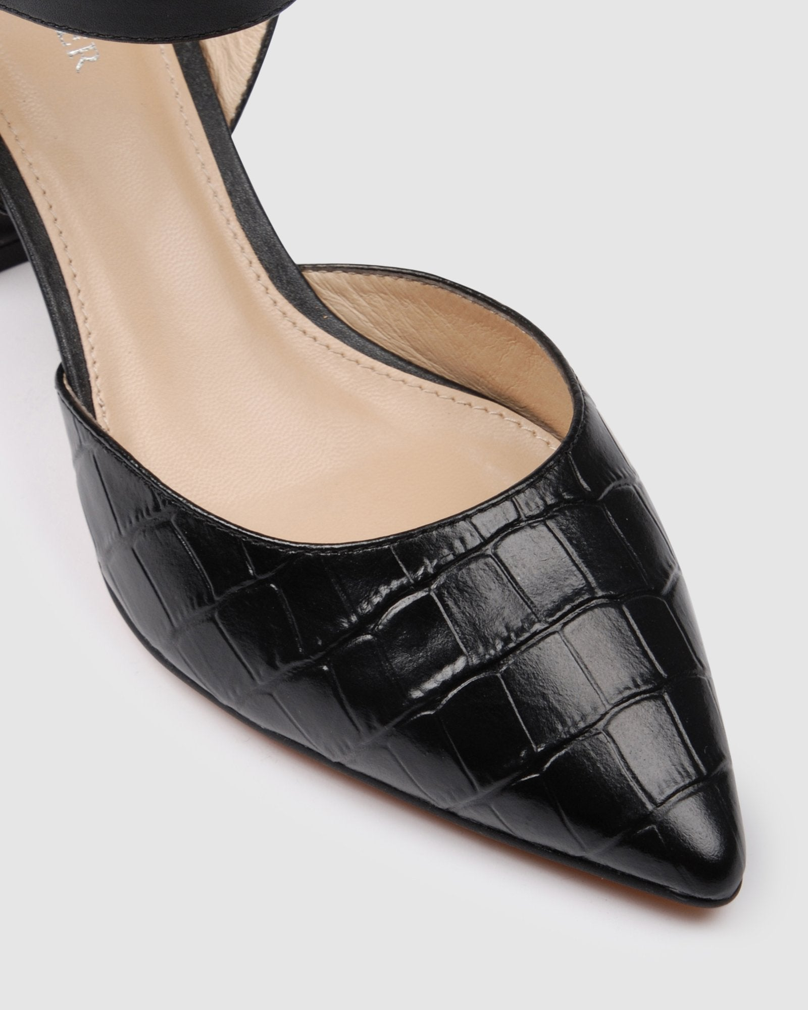 INDIANA MID HEELS BLACK LEATHER