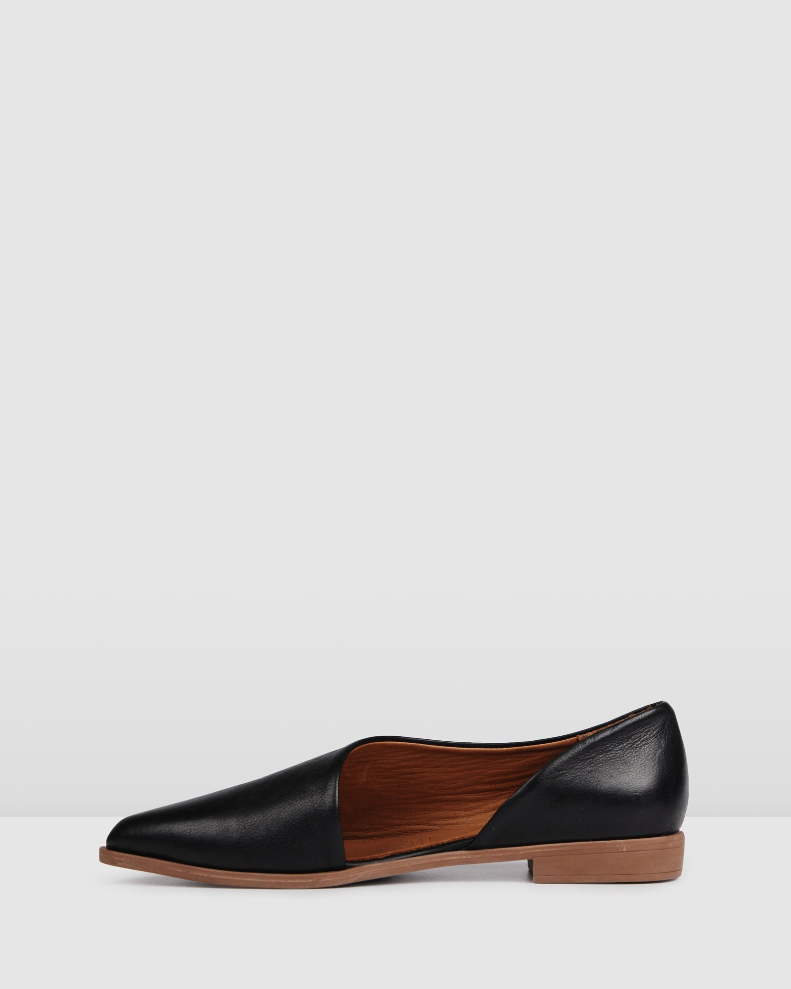 LISMORE CASUAL FLATS BLACK LEATHER