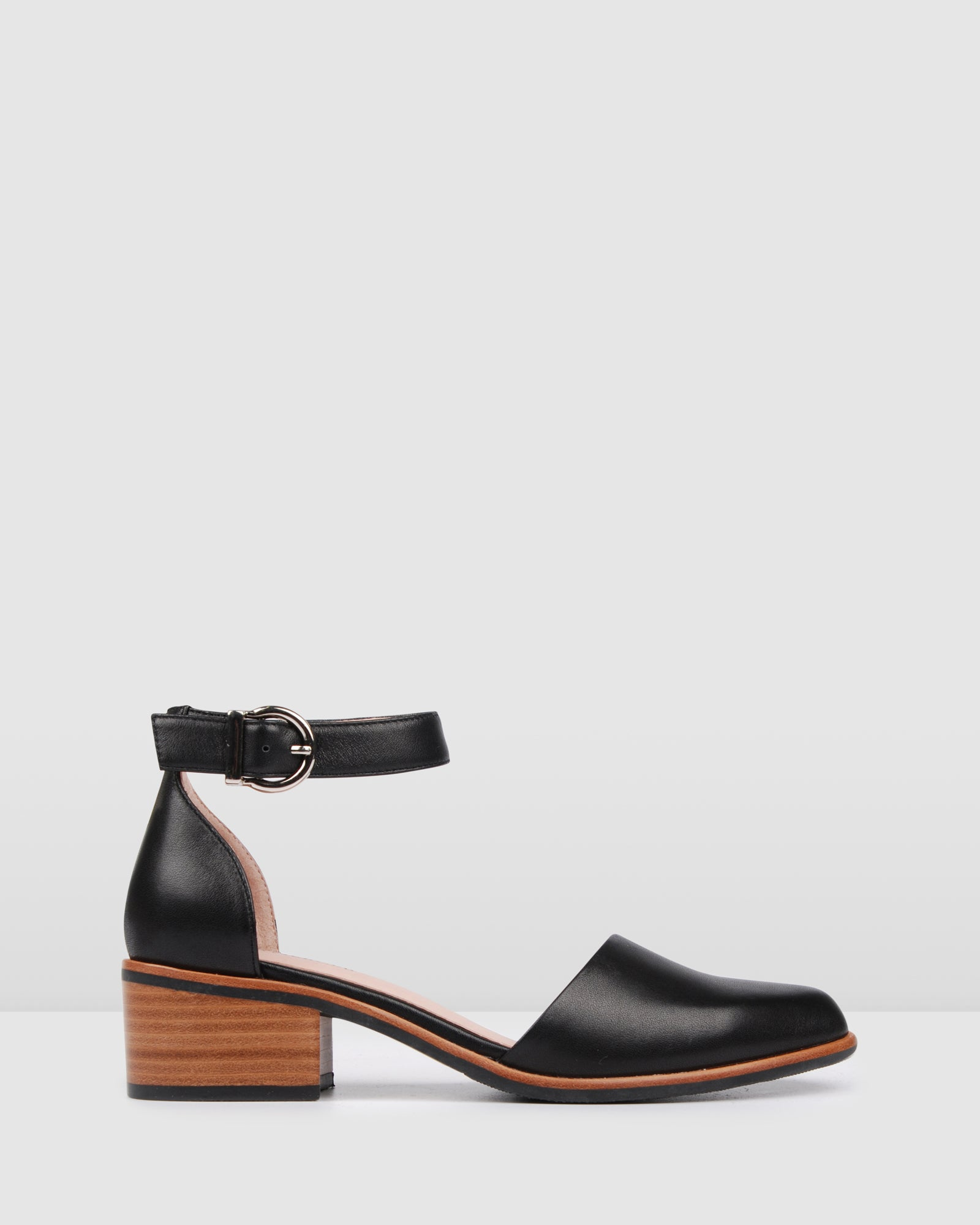 VERSAILLES LOW HEELS BLACK LEATHER
