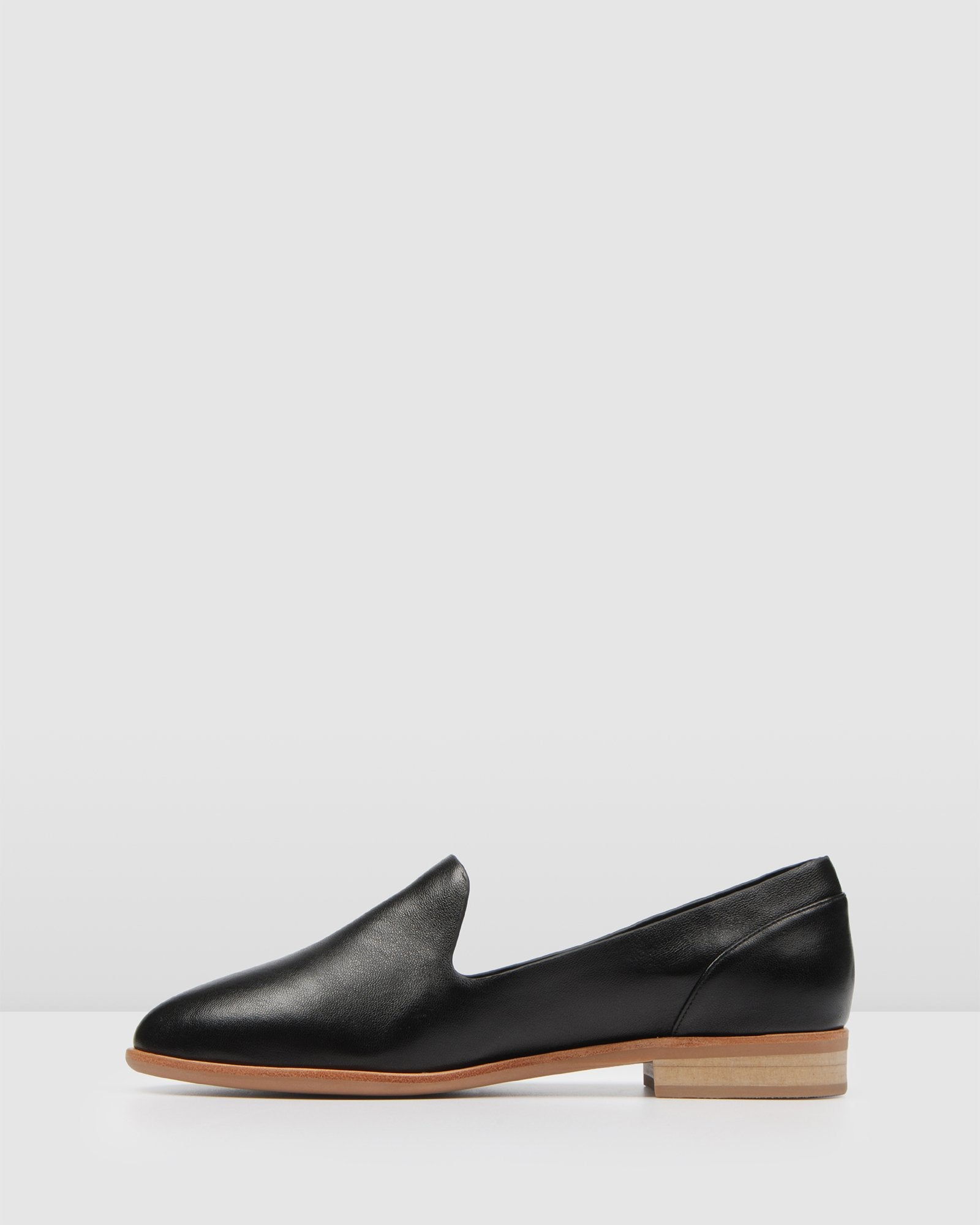 VICKY CASUAL FLATS BLACK LEATHER