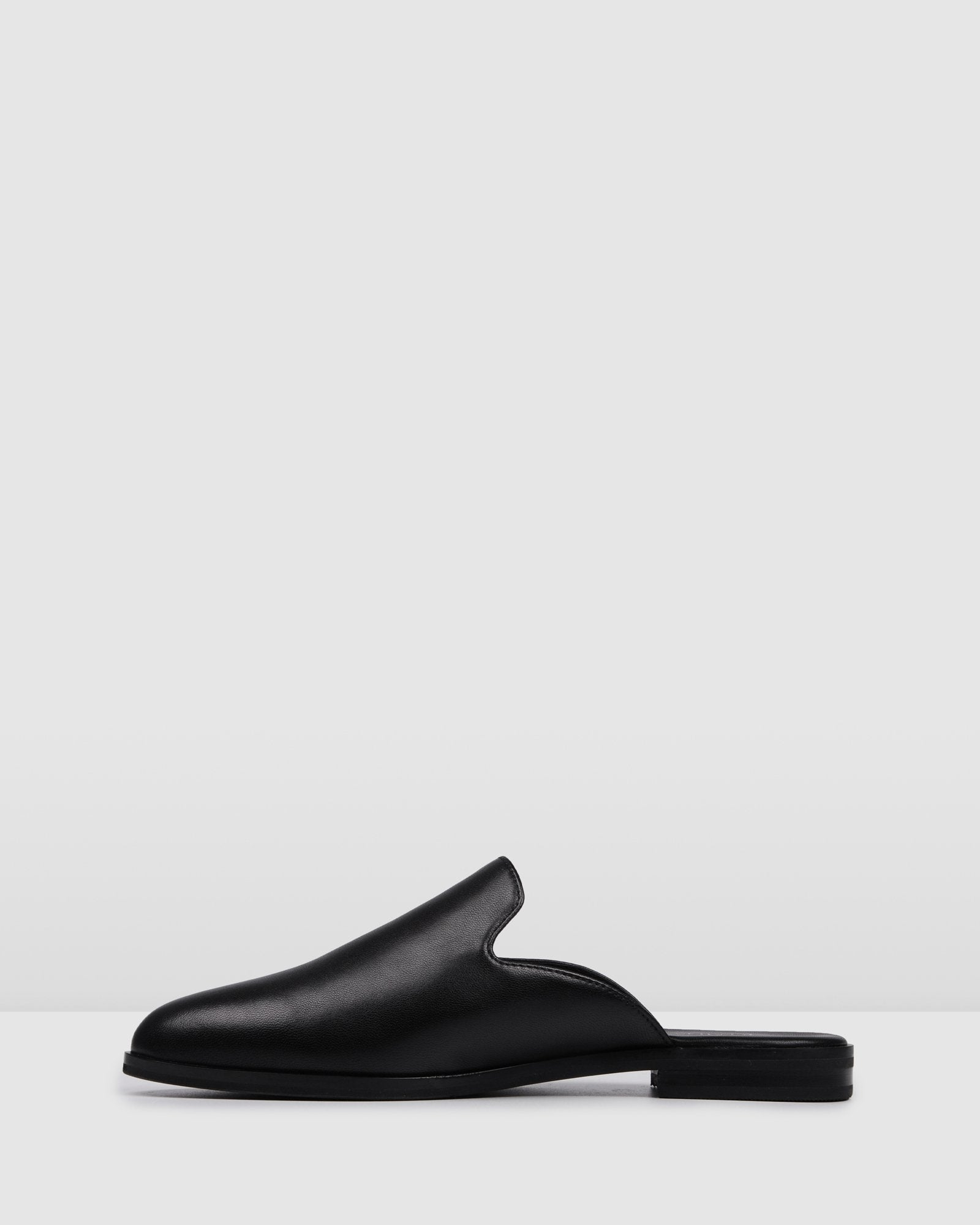 WYATT CASUAL FLATS BLACK LEATHER