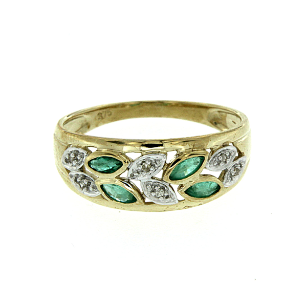 9ct Emerald & Diamond Ring